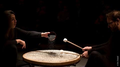/ Variations - Tempus #1#2#3 - Le DOC, projet de développement culturel en Normandie, accueille Tempus #3, duo voix et percussions pour la petite enfance avec Aurélie Maisonneuve et Lê Quan Ninh